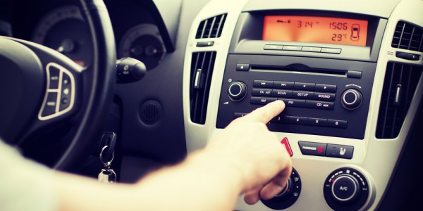 Motorists don't know how to use in car tech